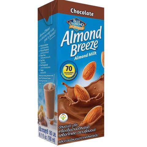 Almond Breeze milk hanh nhan chocolate