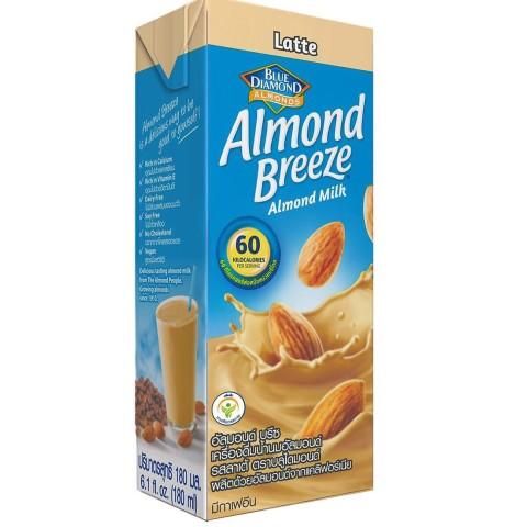 Almond Breeze milk hanh nhan latte
